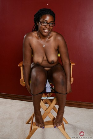 Thick black chick Janelle Taylor stands proud after getting naked