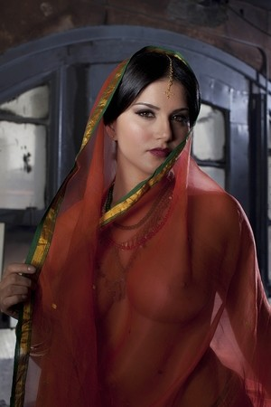 Return theme sunny leone red nude with