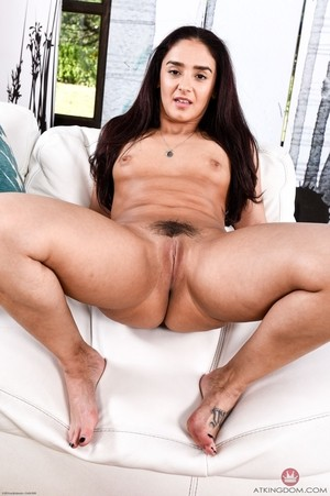 Puerto Rican Sheena Ryder invited into her pussy spreads lips aside