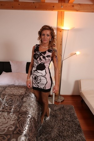 Euro MILF Adele Sunshine looks extremely fuckable in her stockings