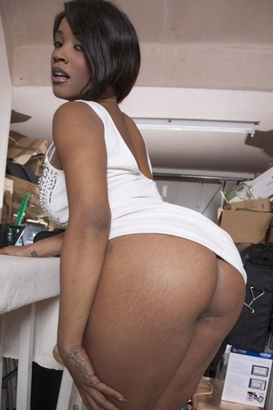 Busty ebony cleaning lady Kini Minaj enjoys a white dick in her mouth & pussy