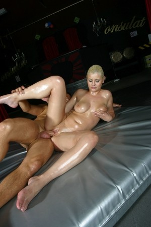 Busty blond chick Alexa Bold rides a dick all slathered in lubricating oil