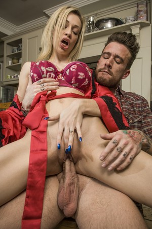 Hot blonde Chessie Kay and her lover Luke Hotrod fuck on the kitchen table