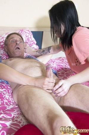 Playful chicks Katy Sky and Merri Heys surprise old man Patrik with hot FFM