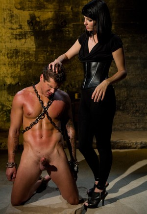 Sexy Bobbi Starr enjoys the body and dick of handsome chained guy