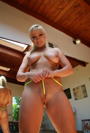 Extra big body and nude girls