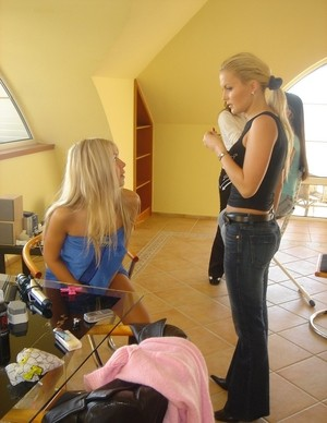Hot backstage pictures with young Angelina Crow and blonde Eve Angel