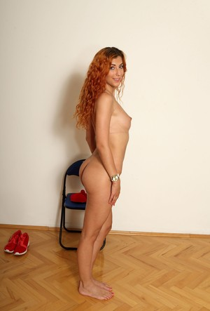 Red-haired chick with trimmed vagina Shona River strips down at real casting