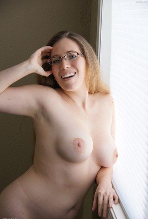 All natural nude beauty with glasses Samantha massages her sweet boobies