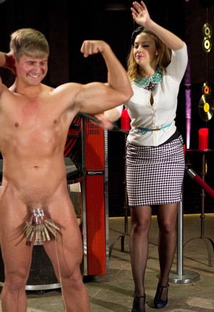 Male sub endures CBT treatment before being flogged by clothed female