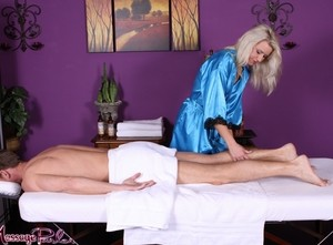 Blonde masseuse Anikka Albrite agrees to a BJ in exchange for cunnilingus