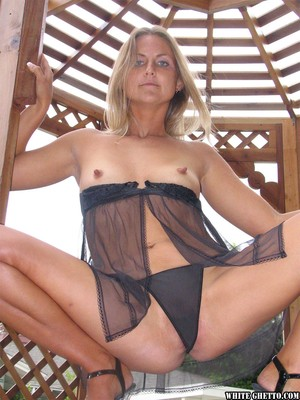 Over 40 woman Heather Zatch is hot and copes with cock better than any student