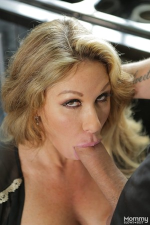 Horny mom Farrah Dahl seduces her stepson before blowing his big dick