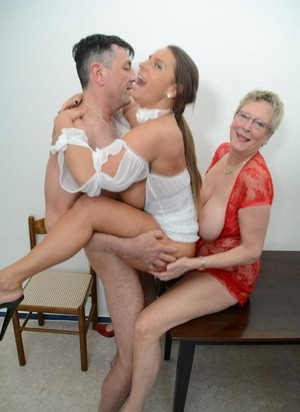 German Man Takes Part In Hot Threesome With Amateur Slutty Grannies