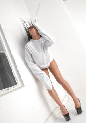 Straight jacket isn't obstacle for patient Angelina Valentine to masturbate