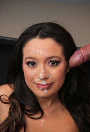 Cock sucking culminates for sweetie Linda Lay with sperm on her cute face