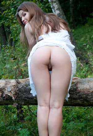 Quiet spot in spacious forest is ideal place for babe Nedda A to show cunny