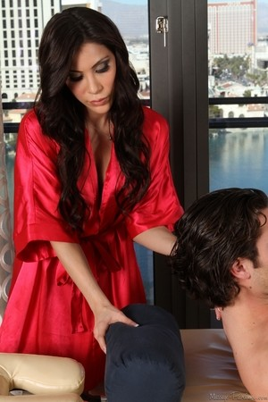Black-haired bombshell Aleska Nicole presents Seth Gamble massage and blowjob