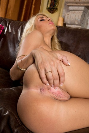 her pussy in Fingers