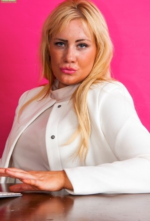Chubby blonde 30 plus Lois Loveheart strips to toy her pussy with vibrator