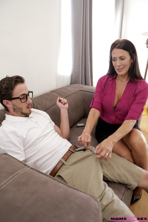 Horny housewife Reagan Foxx seduces her stepson for hot hardcore celebration