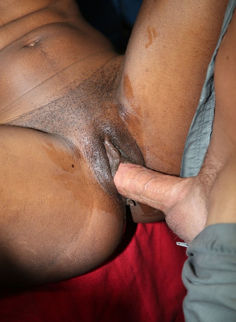 Eating Good Black Pussy