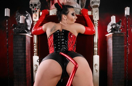 Rachel Starr Cosplays The Devil While Receiving A Big Hard Images 1