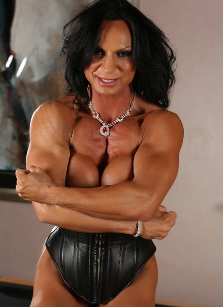 Female Bodybuilder Rhonda Lee Shows Off Her Muscles And Large Clitoris Moms Bang Teens 1