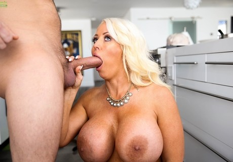 Fucking Hard Blonde Milf With Curvaceous Shapes Alura 1